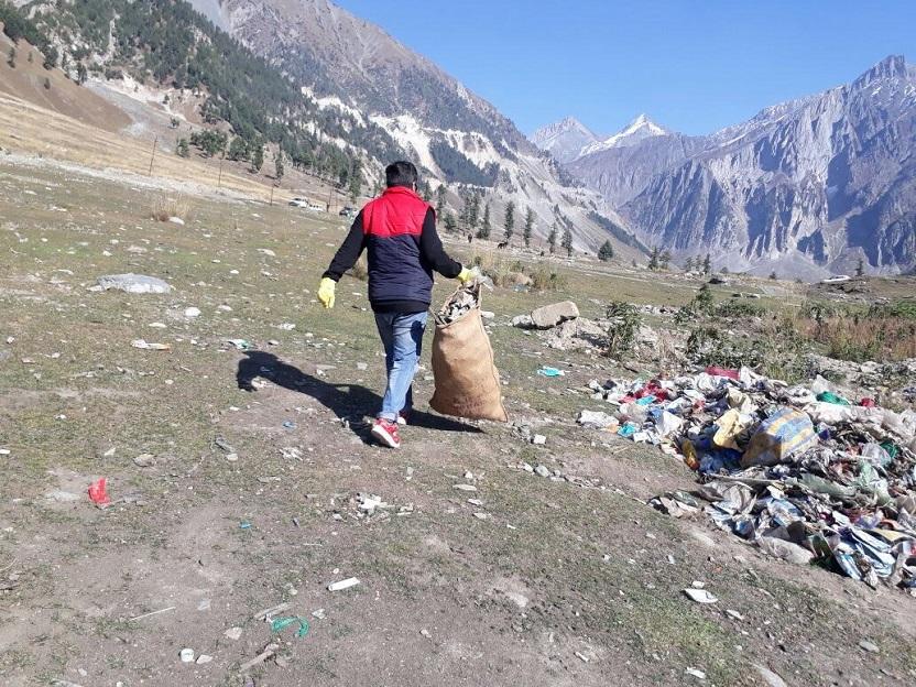 No Leisure This: Mountain Trips Turning Toxic in Kashmir